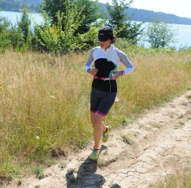 Ryoko-running-along-hagg-lake