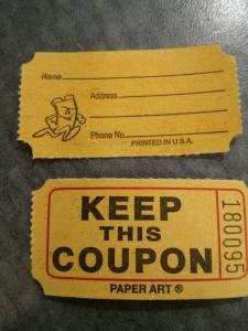 Ticketと書いてある方の半券の裏、こんな感じです。ここに名前と電話番号(住所も、というときもあります)