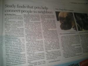 ワンコを通してご近所さんたちと出会う、という内容のオレゴン地元紙の記事