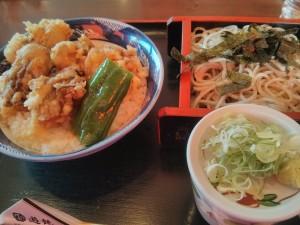 「札幌の遊鶴の牡蠣丼とお蕎麦」の写真